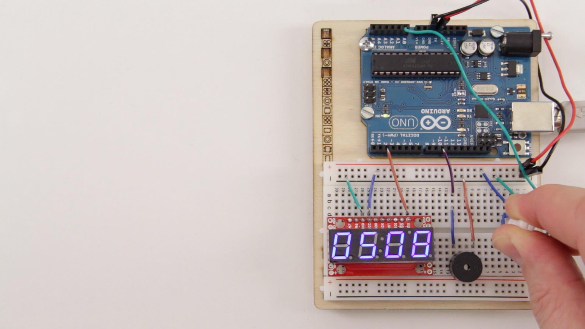 Arduino Projekt: 4-stelliges serielles 7-Segment Display am Arduino betreiben – Teil 2