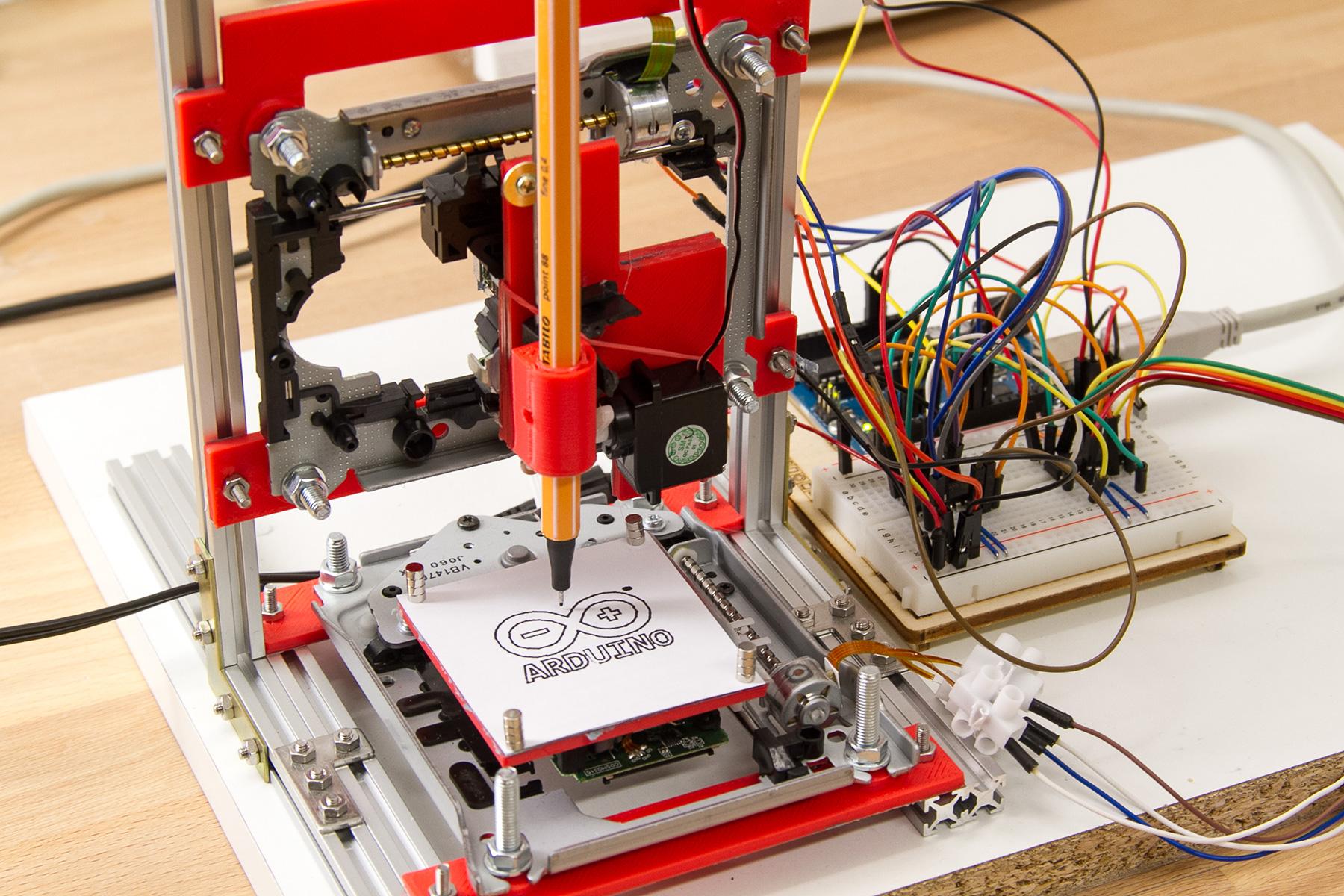 Projekt: Mini CNC Plotter aus alten CD/DVD-Laufwerken