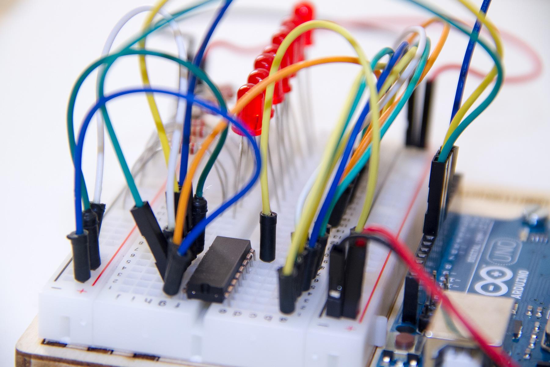 Das Schieberegister 74HC595 am Arduino
